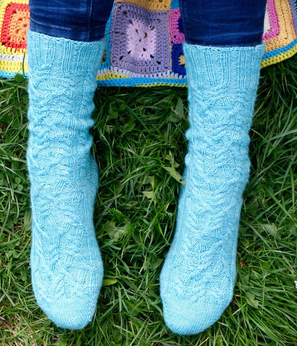 Wildkablesockz Socken von der Zehenspitze stricken