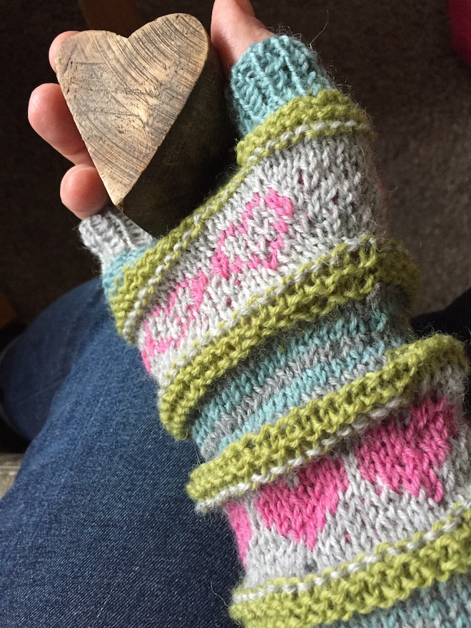 Sigrid's warm heart mitts