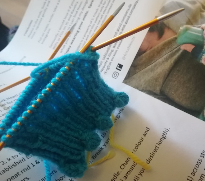 Warm Heart mitts by Patricia
